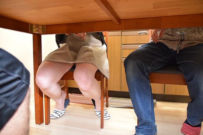 【無修正x個人撮影】人の奥さん 旦那がいる自宅に突入しこっそり中出しを楽しみました